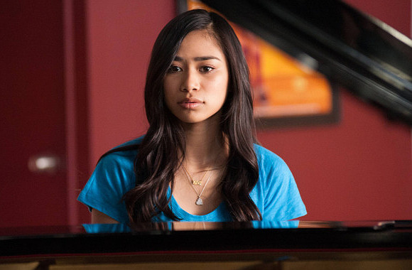 Jessica-Sanchez-on-Glee-01-580