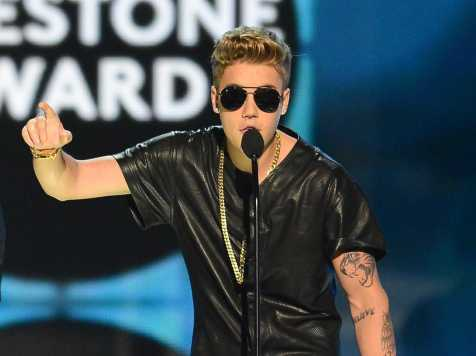 justin-bieber-gets-booed-at-the-billboard-music-awards